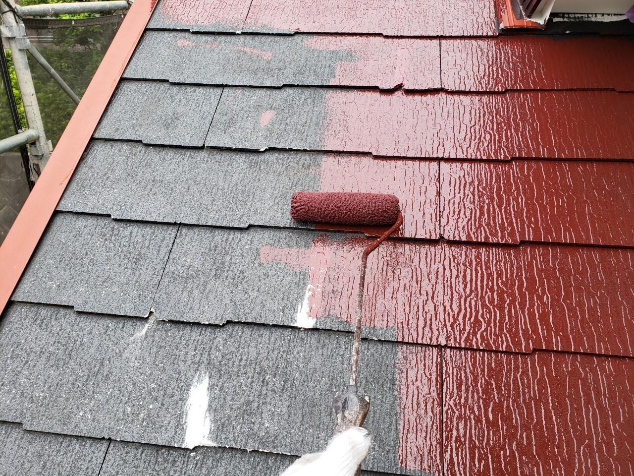 屋根中塗り中