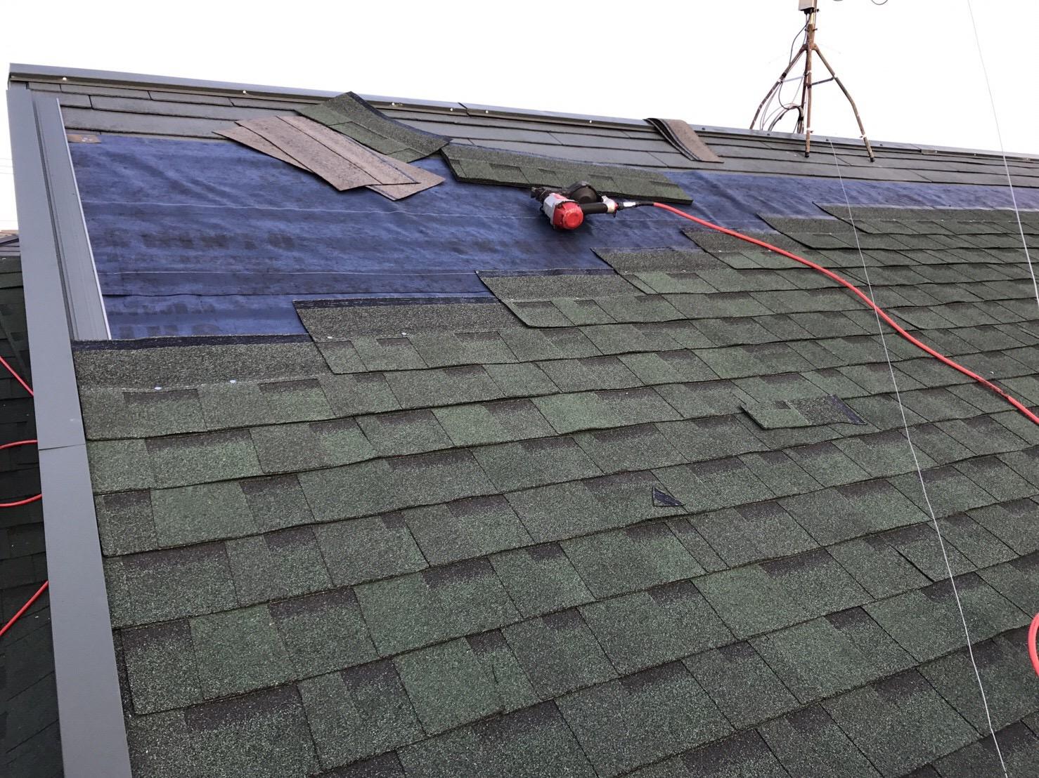 大屋根シングル材葺き