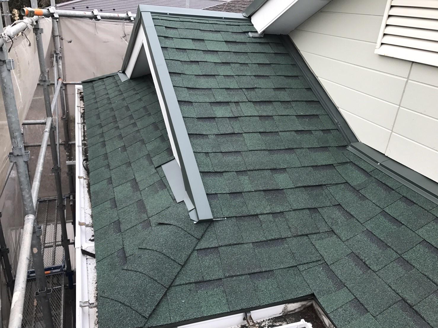 下屋根シングル材葺き