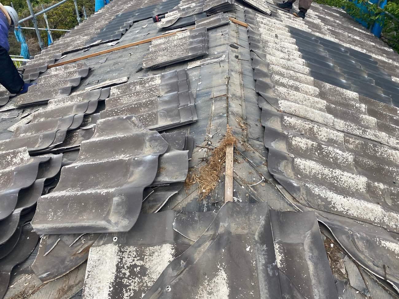既存屋根解体撤去作業