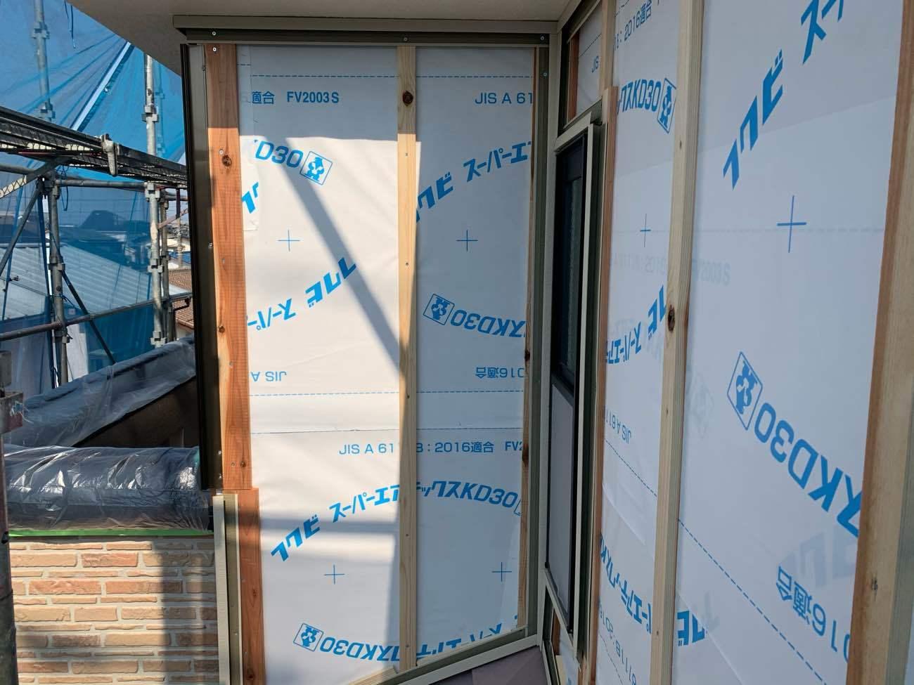 2階部分外壁 サイディングカバー工法施工中(下地張り)