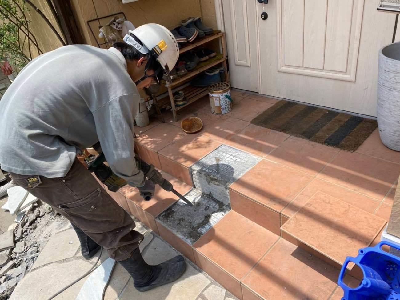 玄関タイル修繕