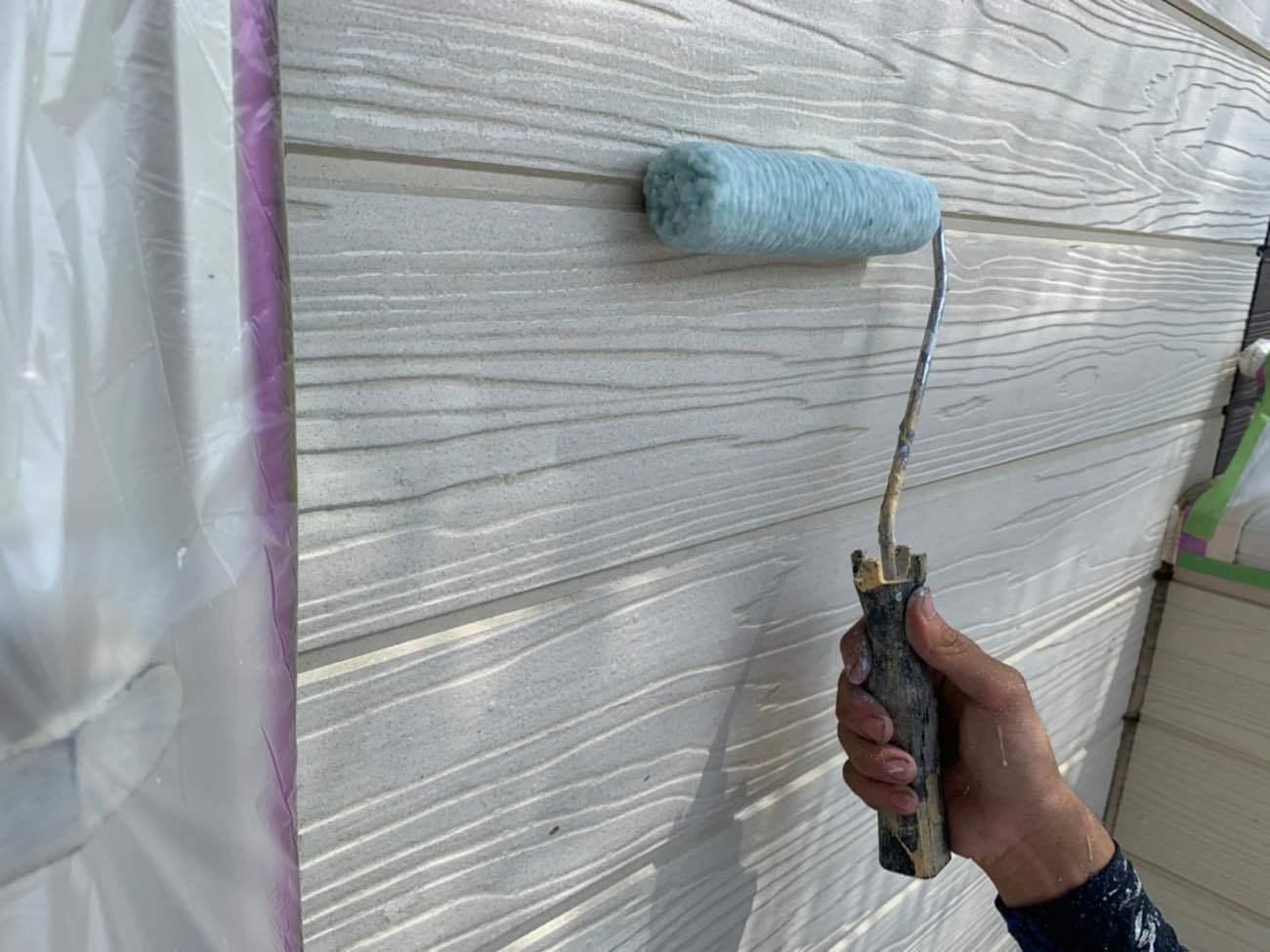 外壁塗装 上塗り(マイティシリコン W-05)