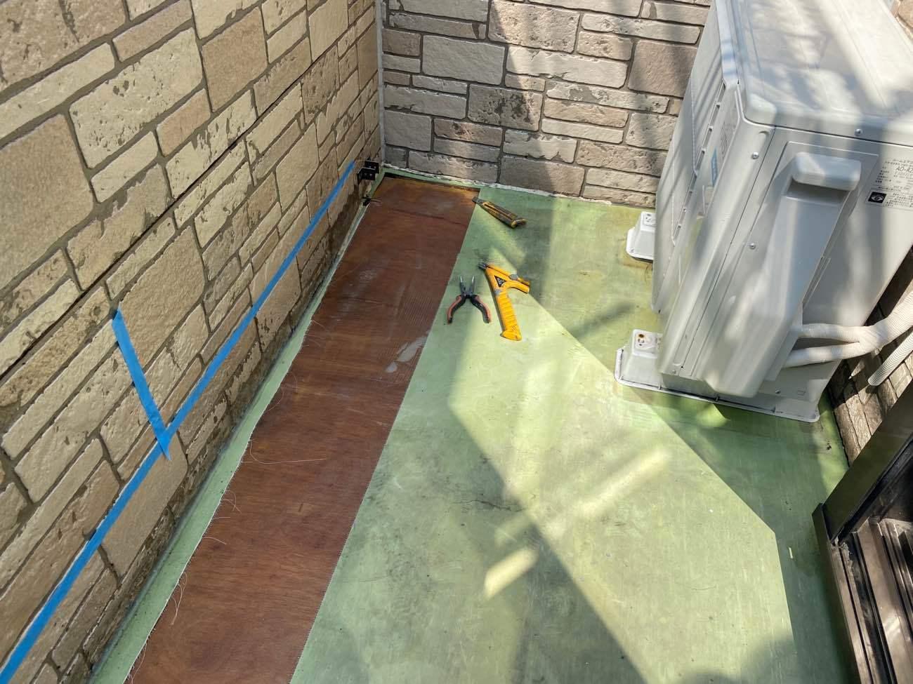 床シート剥がし調整 施工中